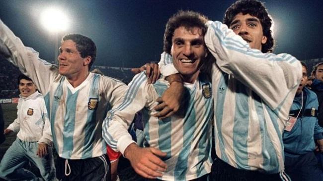 simeone comemorando copa america de 1991